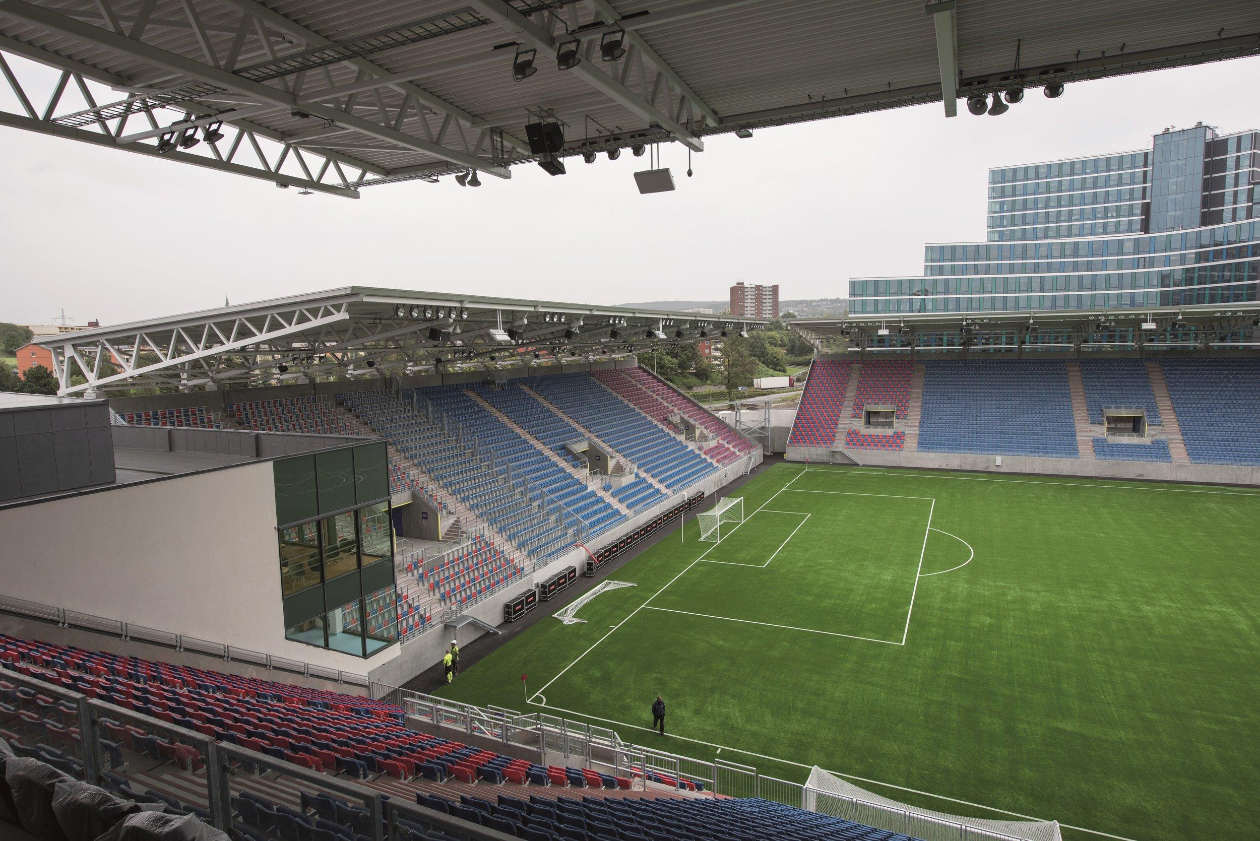Vålerenga stadion 34 RED.jpg