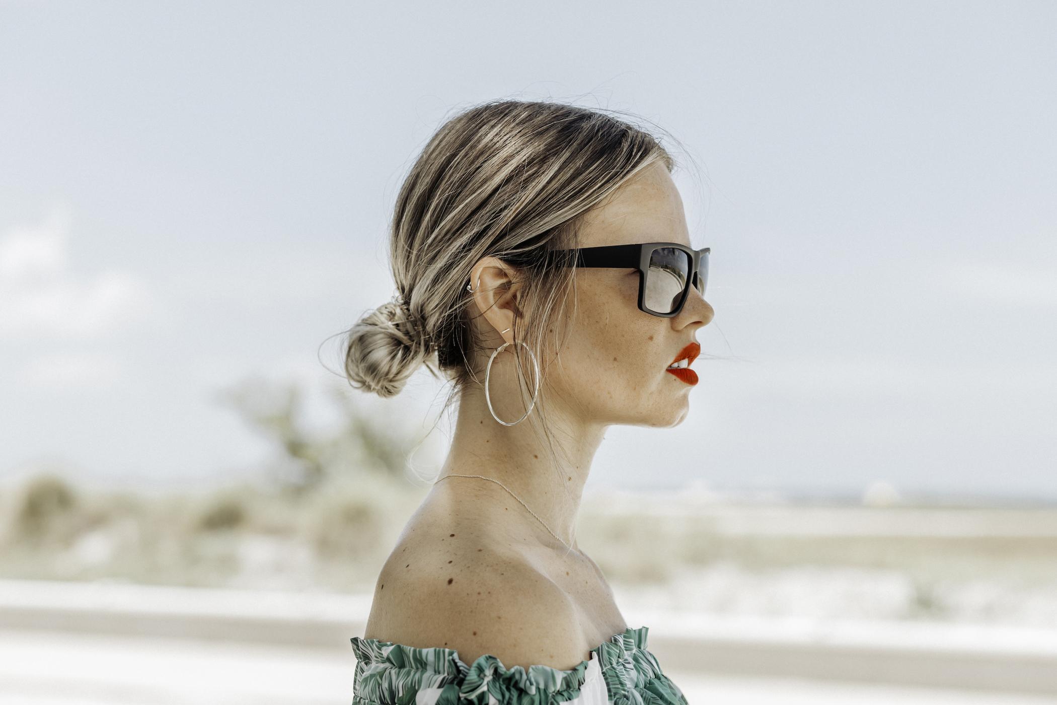 shadyveu-sunglasses-matte-black-ashlee-rose-photography-tiny-ashe-blog-sunglasses-florida-tampa-summer-V2.jpg