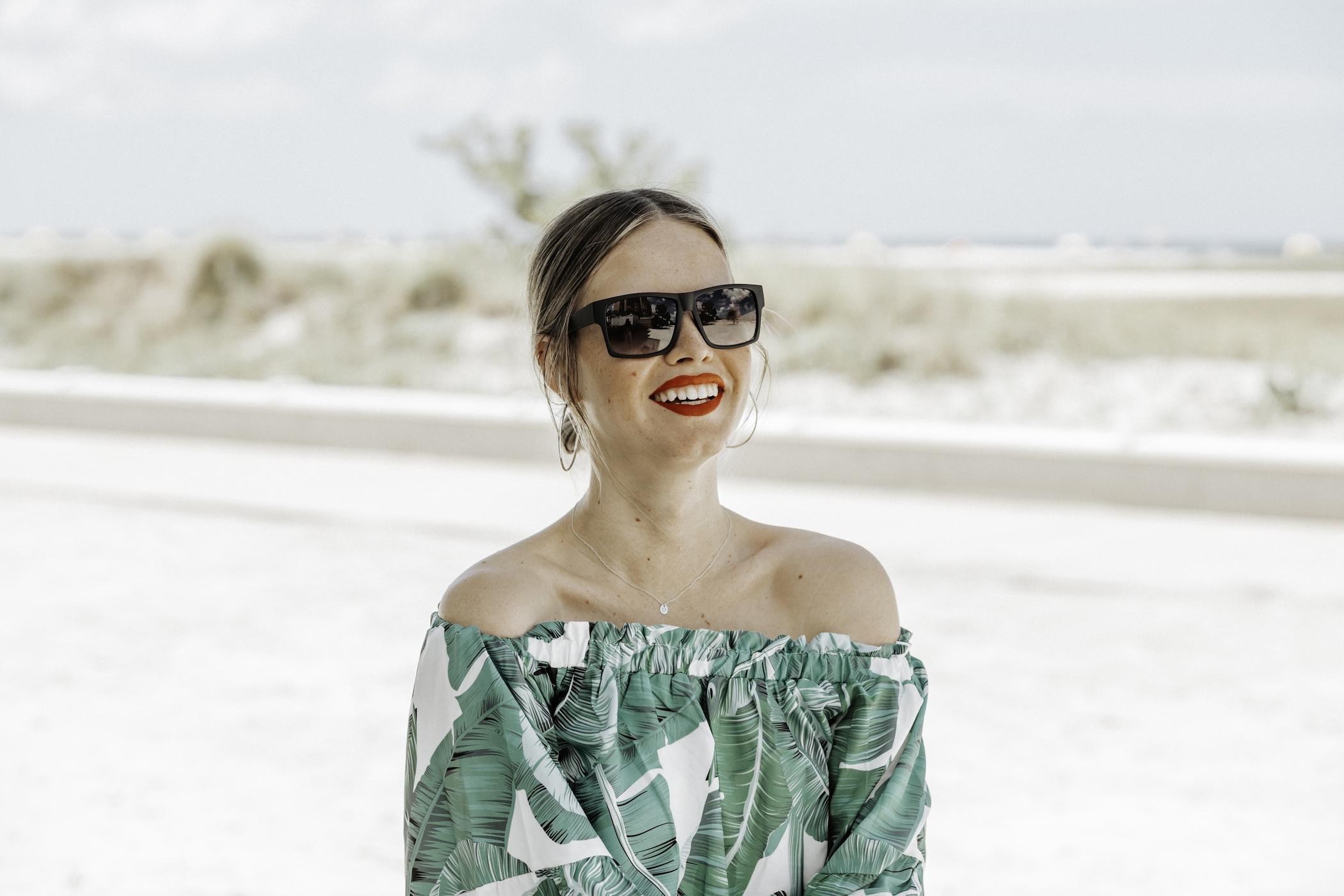 shadyveu-sunglasses-matte-black-ashlee-rose-photography-tiny-ashe-blog-sunglasses-florida-tampa-summer-shadyveu_2-small.jpg