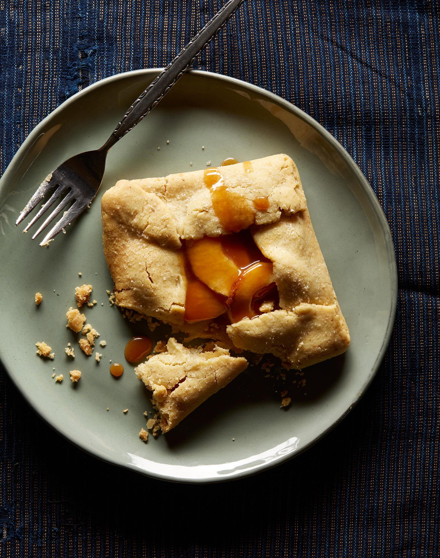 apple Crostada with Carmel sauce gluten free pie crust