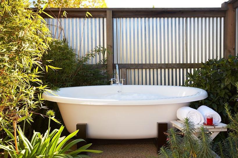Outdoor tub at Carneros Inn
