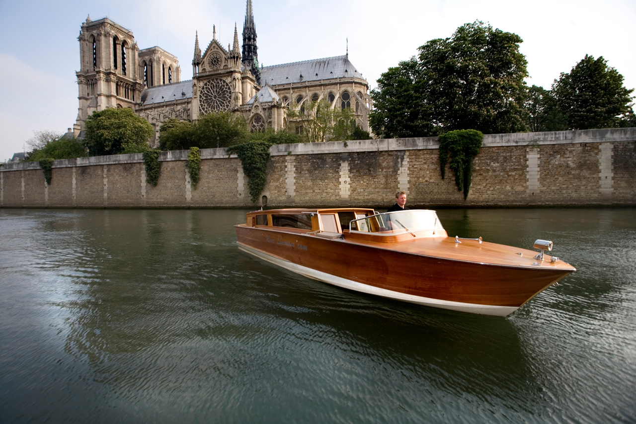 Paris boat.JPG