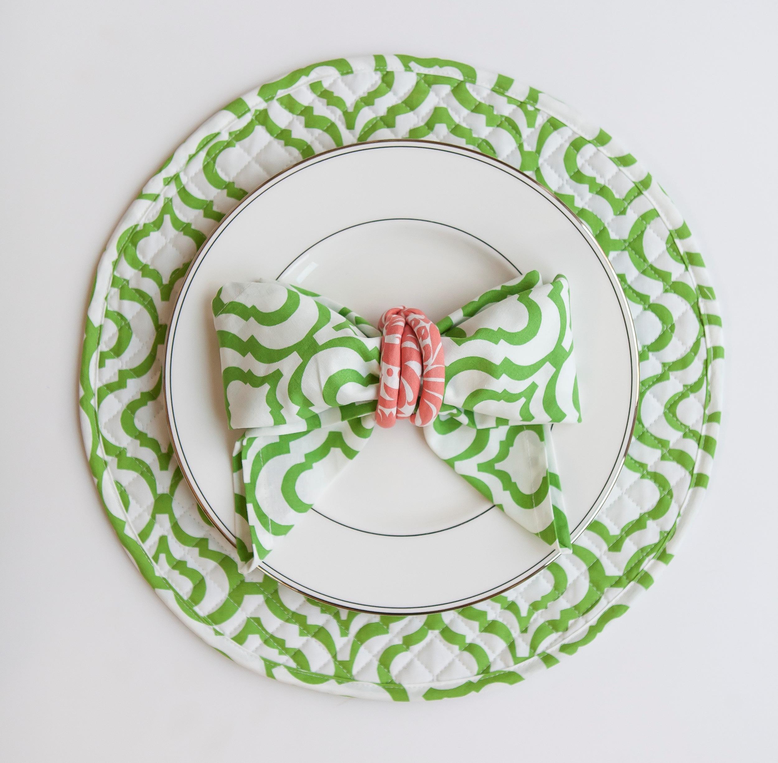 green and white bow cloth napkin fold