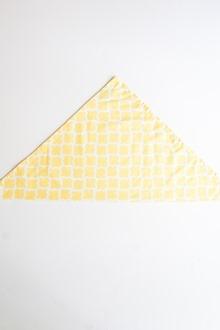 Yellow and white dinner napkin cloth napkin folding