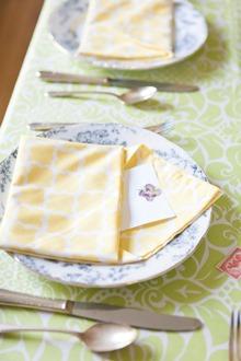 cotton dinner napkin fold yellow and white