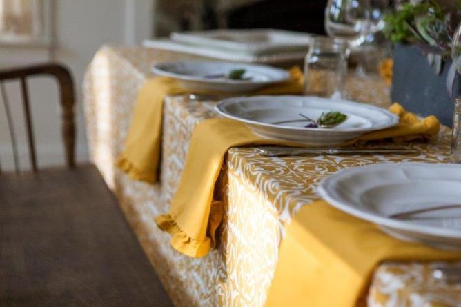 gold cotton ruffle dinner napkins