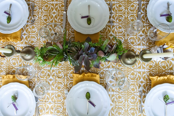 gold and white tablelinens cotton