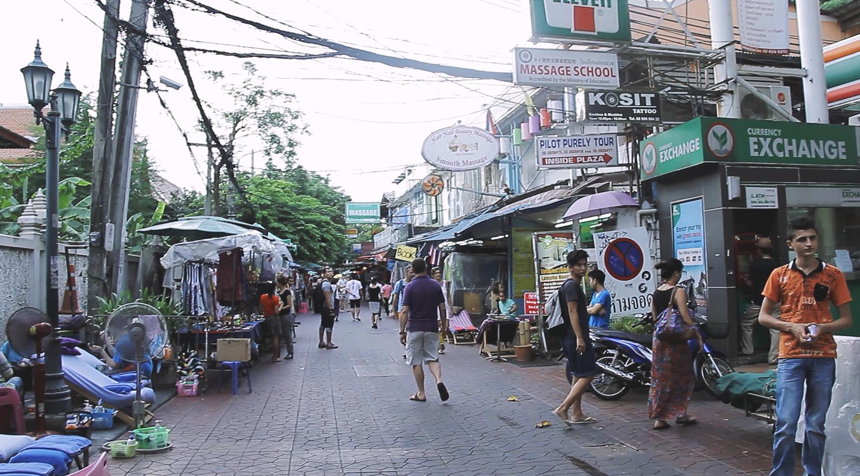 Intenten quedarse cerca de Rambuttri Road en vez de Khao San Road.