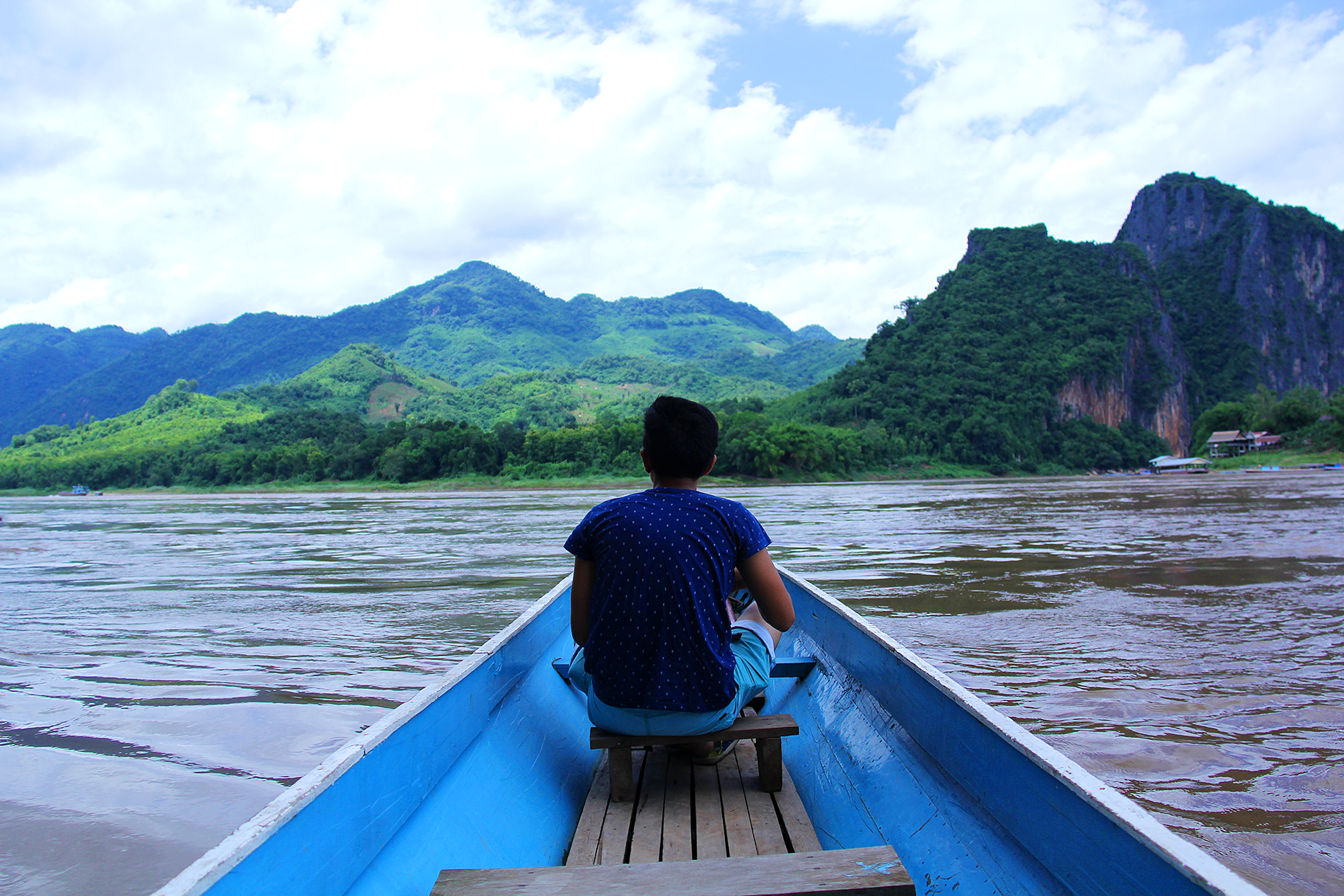 Botes con vistas al Mekong.