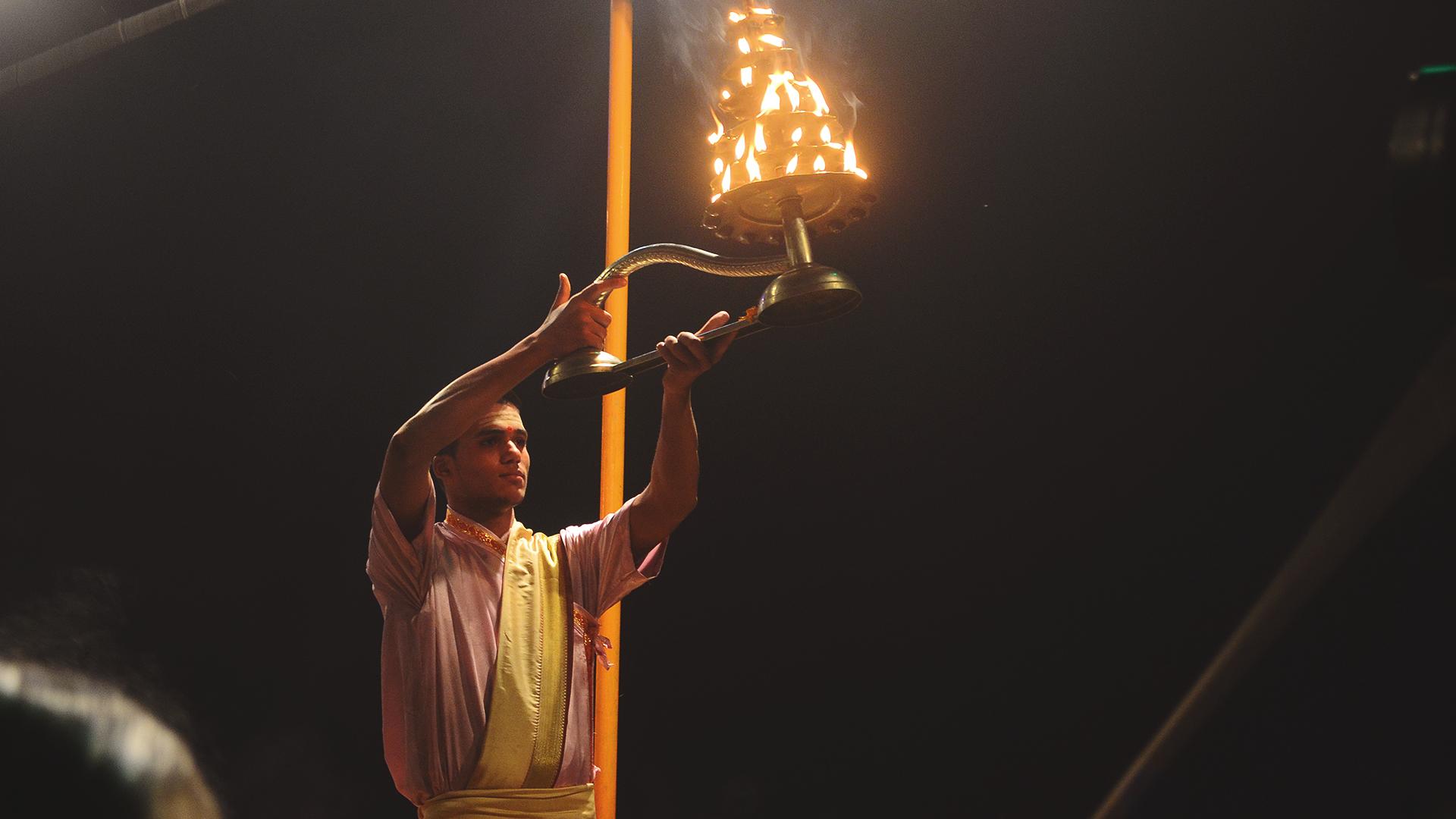 Aarti - Celebración de la nueva vida en el Ganges.