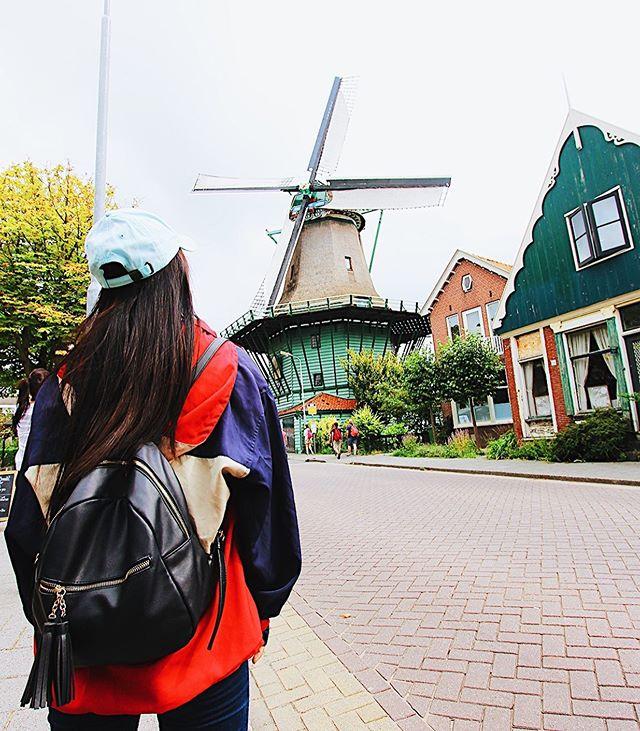 Otoño en los pueblos de Países Bajos. 🇳🇱🍂 - #EstamosBienMá #Otoño #Holanda #PaísesBajos #Netherlands #ZaanseSchans #Europa