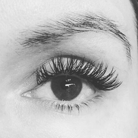 Our clients are the 🍎 of our 👁. Brow tint and lash fill in for a client before a two week European vacation!  #xtremelashes #spa #beauty #winkstudiospa #lashextensions #annapolis #annapolisspa #nomoremascara #lashgameonpoint #longlashes #lashgoals #jomousselli #lashboss #lashlove  #lashes #lashesextension #annapolislashextensions #annapolislashes #browtint #browgame #browtinting
