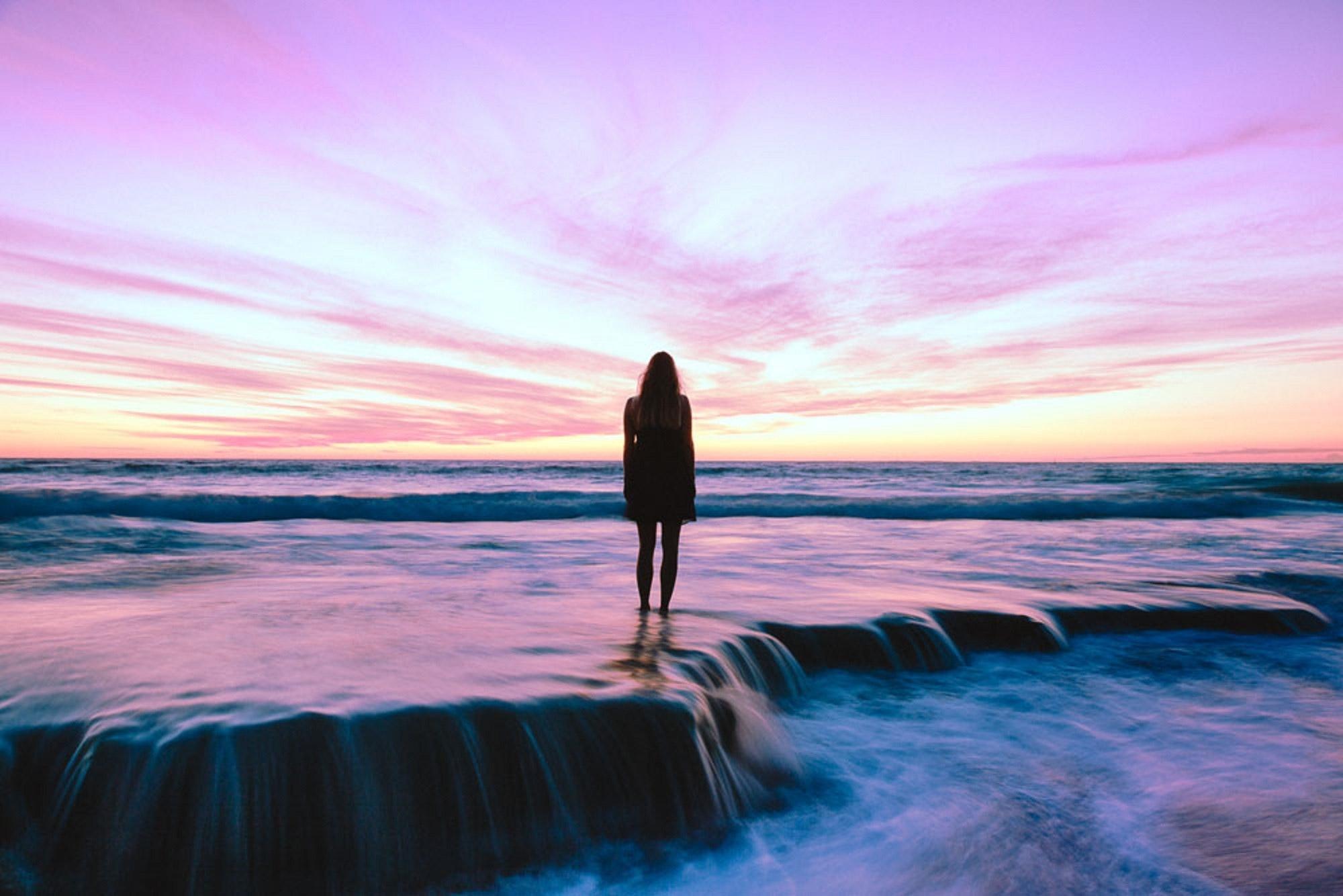beach-dawn-dusk-274053.jpg