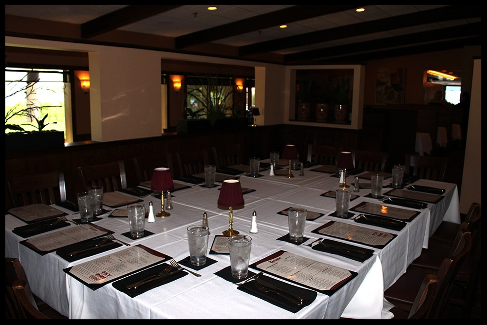 PRIVATE DINING ROOM - 10-20 GUESTS (SEATED)Lakeside Views
