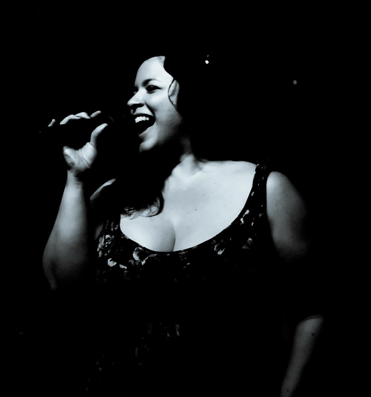 Jennifer Grimm - Powerhouse R&B - Jazz - Soul Vocals