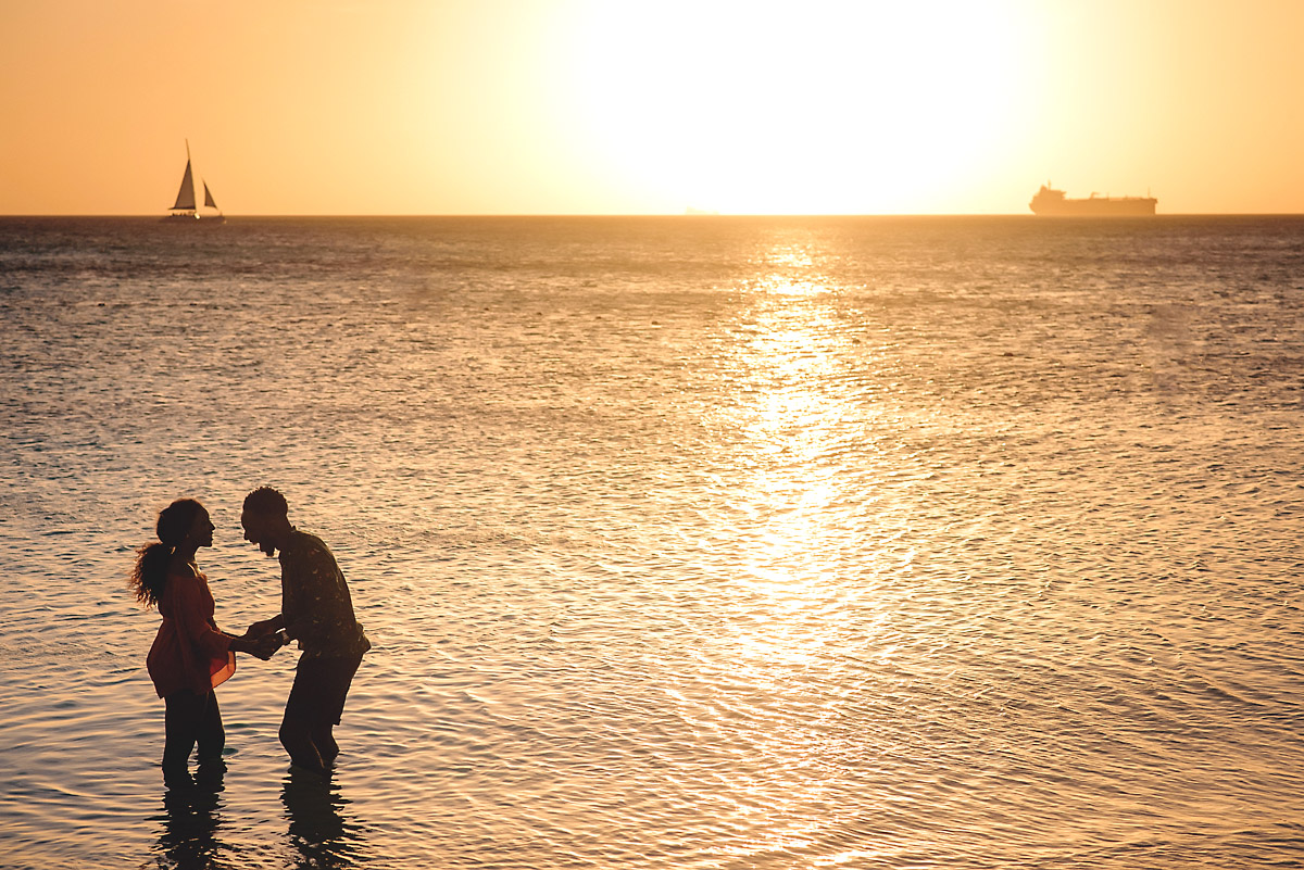 Silhouette of couple in water in aruba- engagment shoot.jpg