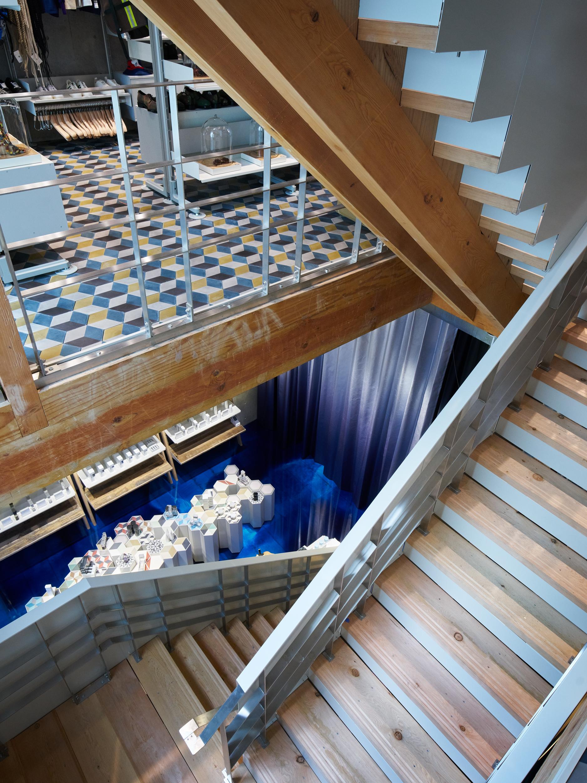 14_Cut Architectures_ l Echoppe Tokyo09 Copyright David foessel.jpg
