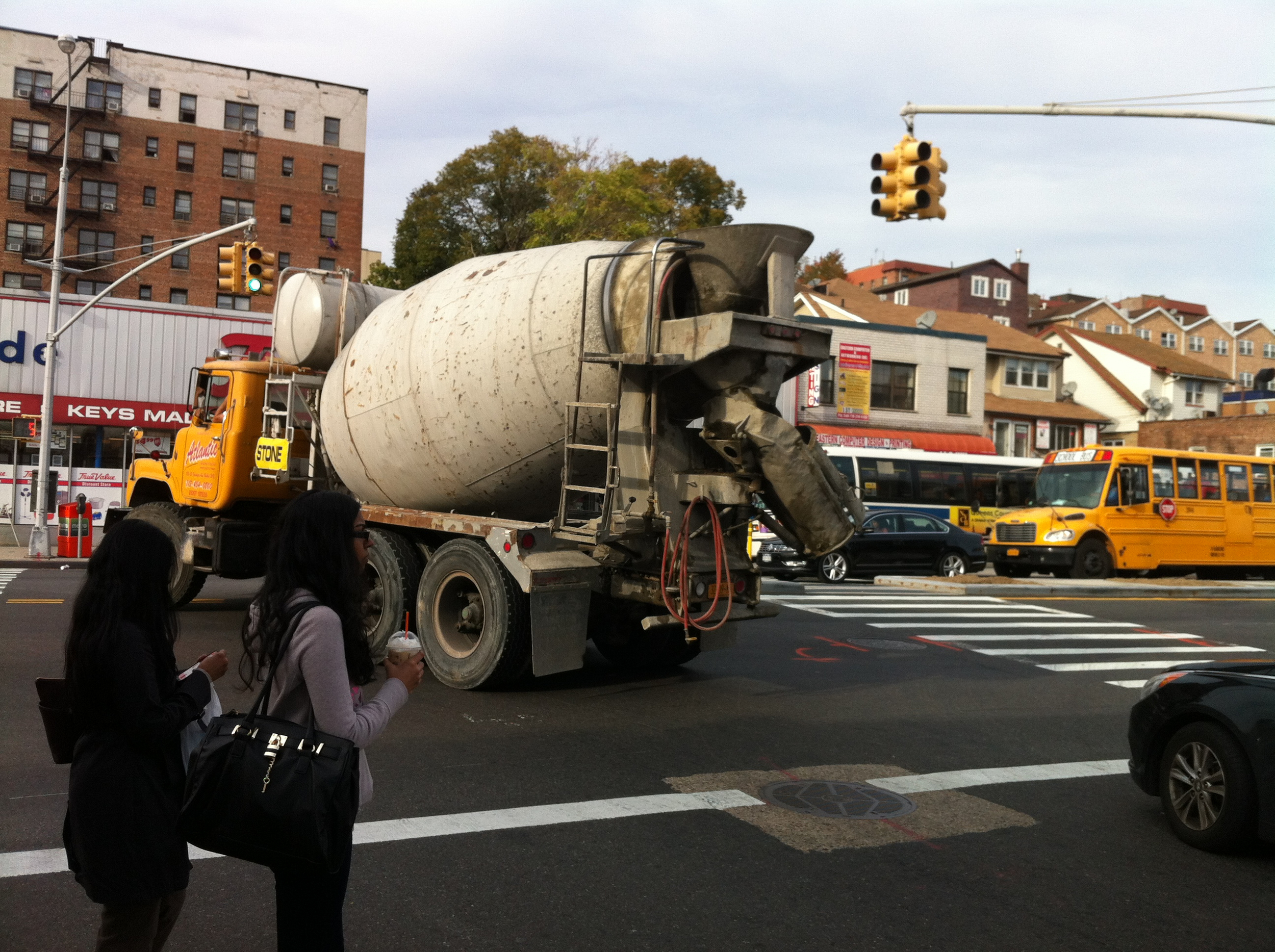 A commercial truck driver drove a cement truck through 170th Street in Jamaica, Queens, turning west onto Hillside Avenue. Source : Louis Flores