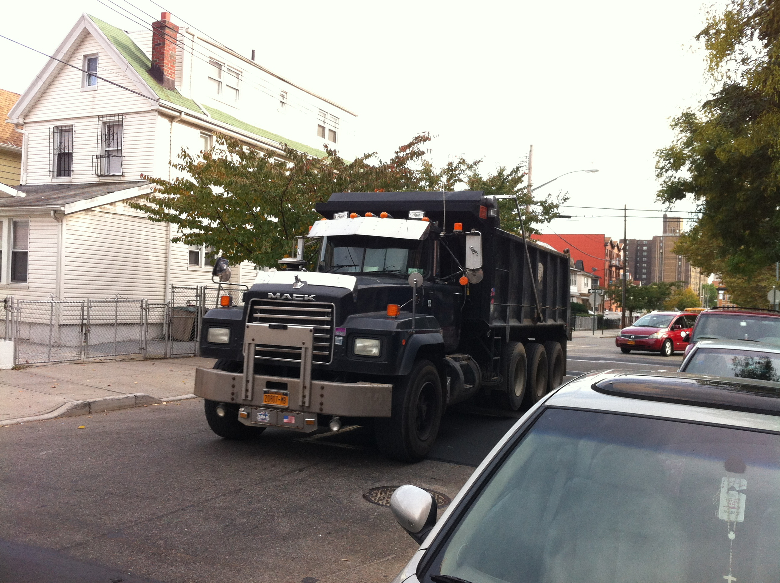 A dump truck was driven on 170th Street during Progress Queens' inspection tour of commercial traffic in Jamaica, Queens. Source : Louis Flores