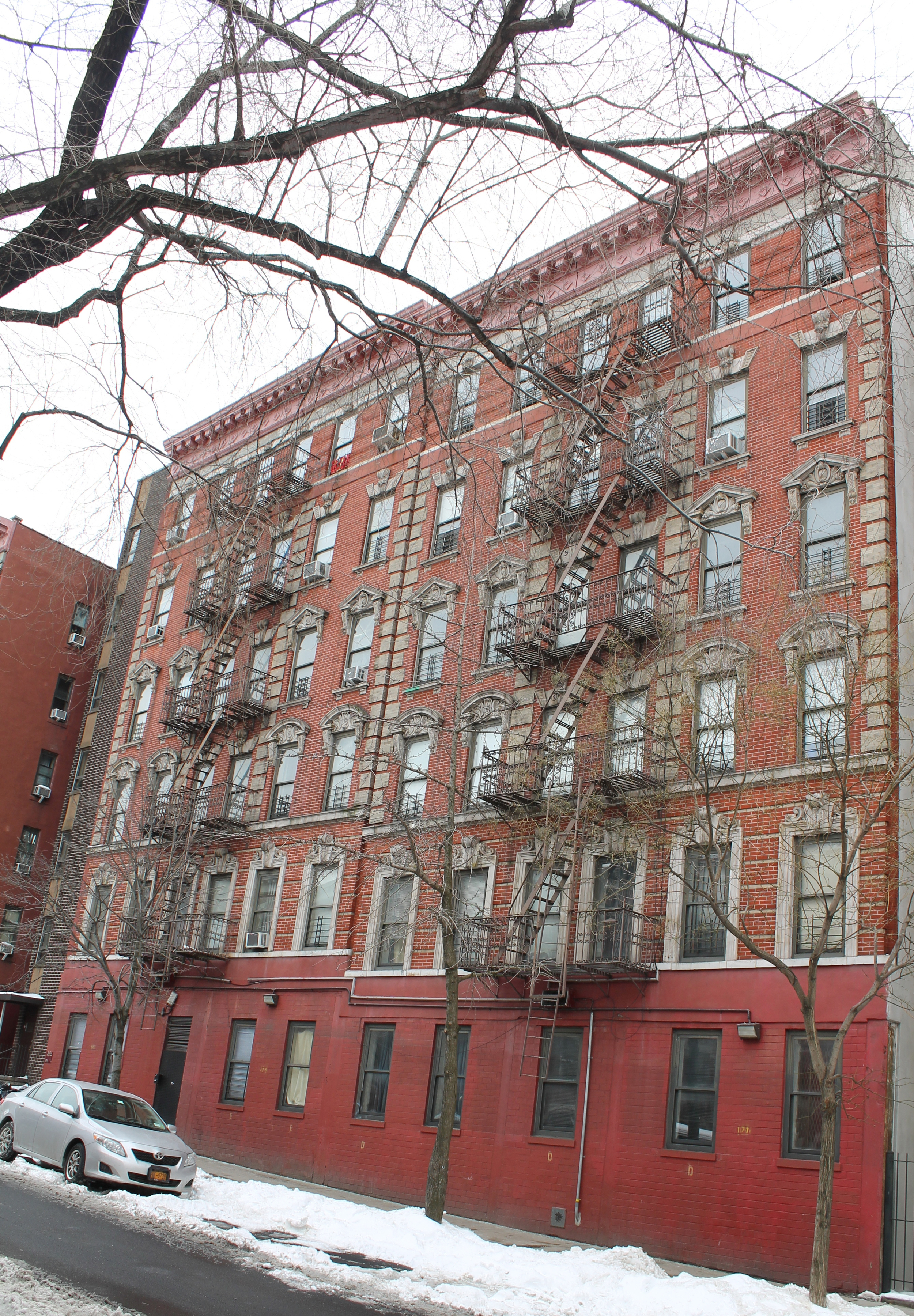 Building 4 of 4-20 East 117th Street, as seen on March 3, 2015. Source : Louis Flores