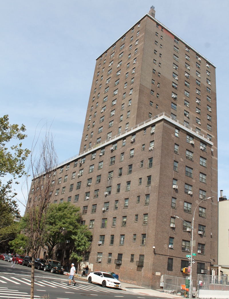 An apartment at the White Houses, located at the corner of Second Avenue and East 104th Street, tested positive for lead in water in excess of the 15 ppb threshold set by the EPA. The residential complex is located blocks from the terminus of the new Second Avenue subway line. Source : Louis Flores/Progress Queens