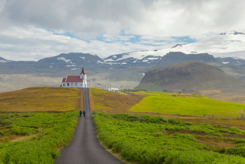 DISCOVERING ICELAND