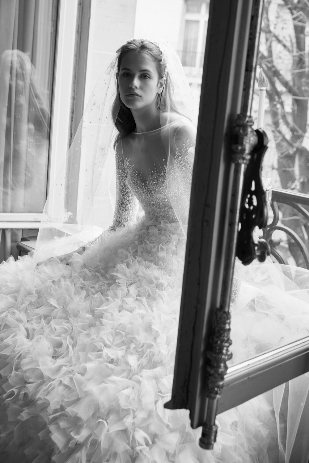 studio-ohlala-wedding-beauty-business-tips-blog-paris-wedding-dress-elie-saab-2.jpg