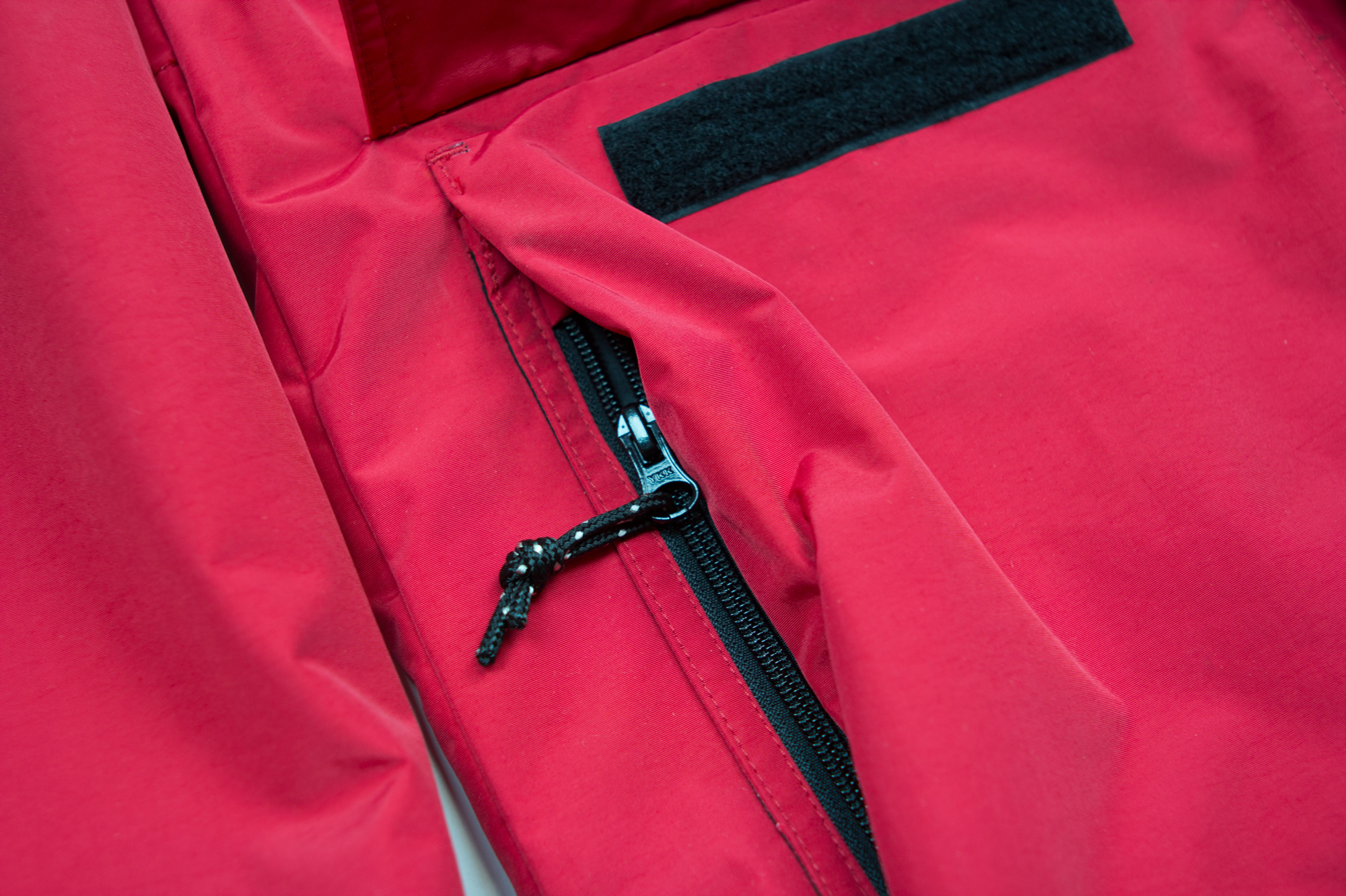 """ROOMY 2-WAY HANDWARMER POCKETS WITH ZIP, AND VELCRO CLOSURE. WE USE VELCRO, NOT CHEAP """"HOOK AND LOOP"""" IMITATIONS."""