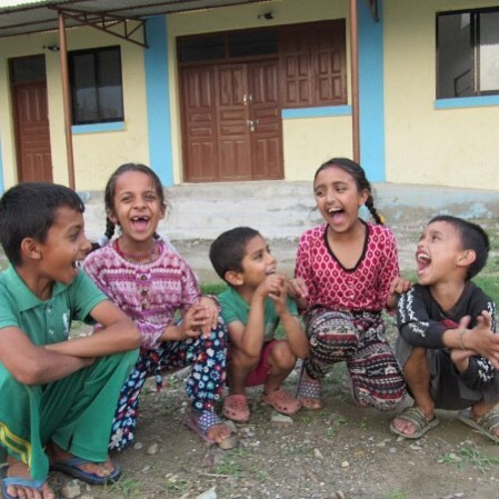 Happy #GivingTuesday! 🙏🏼 The chosen day to get pumped to donate to a cause you care about. At ParticipAid we care about these kiddos in northern Nepal, and are committed to giving them opportunities to be healthy adults. Your end-of-year donations will support our 2019 programming including: 1. Targeted medical care in large scale events based on immediate need. Our 2019 initiatives will be focused on women's health and chronic pain. 👩🏻⚕️ 2. The development of a plant medicine initiative geared to help families treat minor conditions with common plants found in their neighborhood. 🌱  Click the link in my bio to learn more and support our work. @drerinmoore 🙏🏼 #GivingTuesday #ParticipAid #ParticipatoryDevelopment #InternationalDevelopment #ForeignAid #ServiceLearning #InternationalServiceLearning #MedicalServiceLearning  #Nepal #RuralHealthcare #NepalPublicHealth #CommunityBased #CommunityDriven #CommunityDevelopment