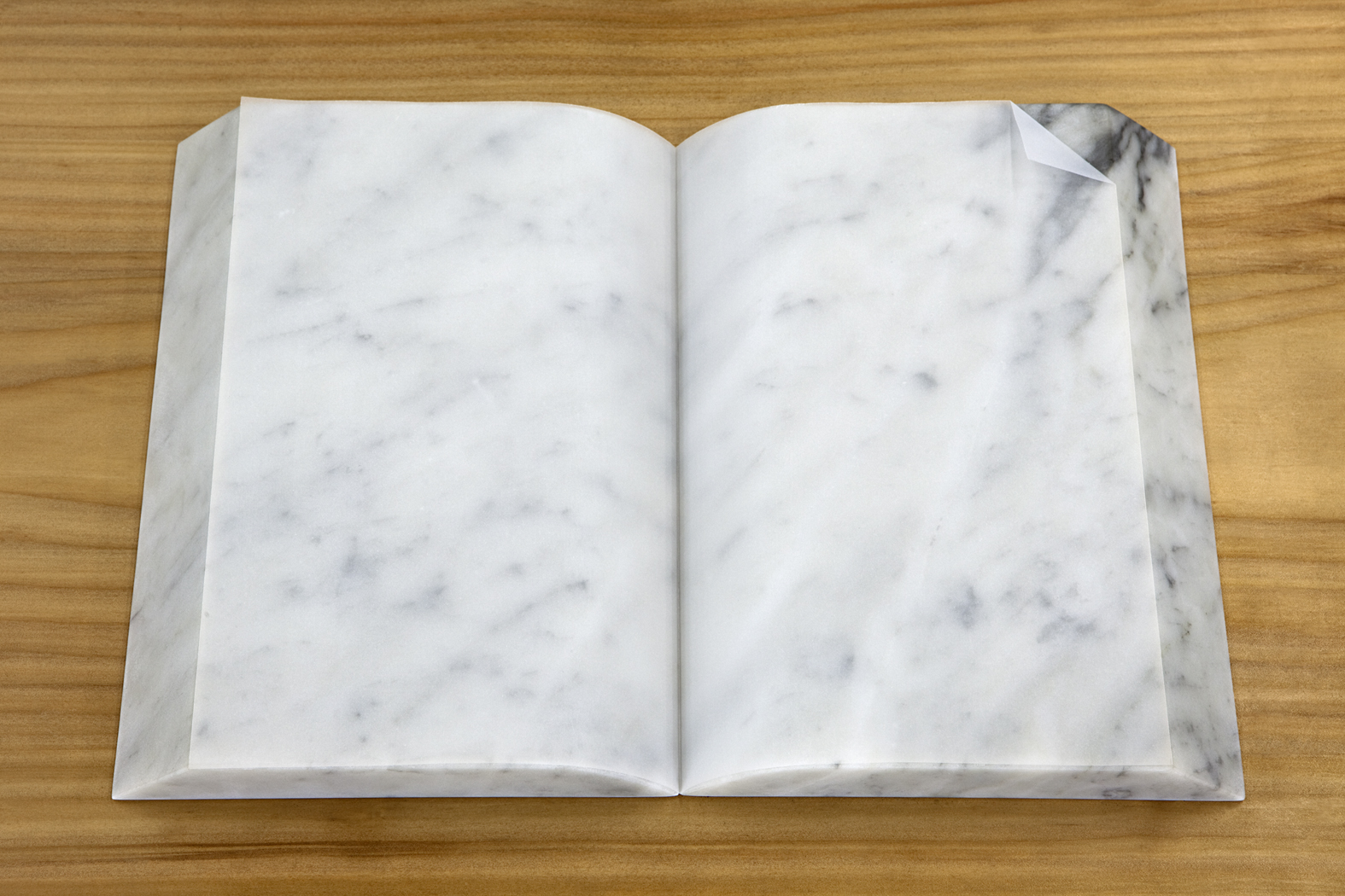 LIVRO/ BOOK (2010) marble and tracing paper, 4 x 25 x 36 cm