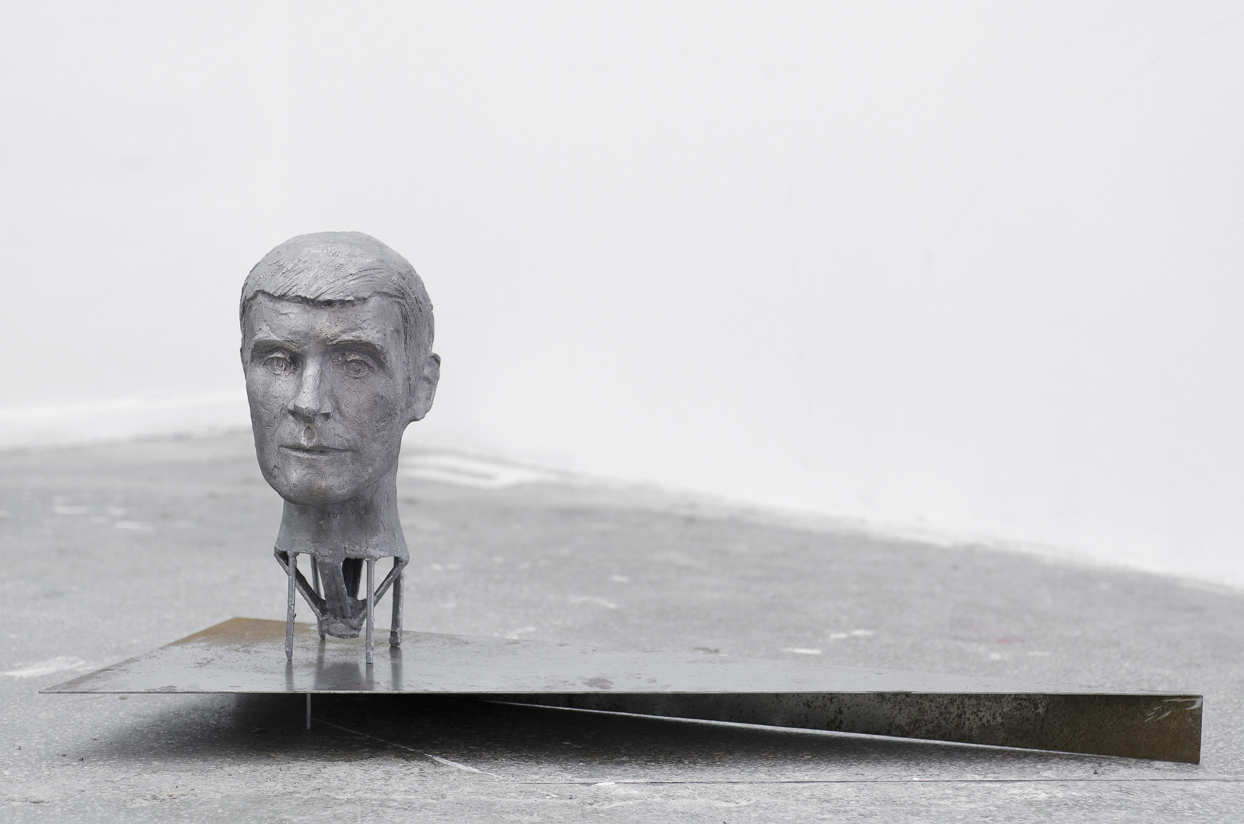 PORTRAIT OF MY HUSBAND (2016) floor based sculpture, aluminium and steel, Exhibition view, Image copyright: Roland Vaczi, Lateral ArtSpace, Cluj
