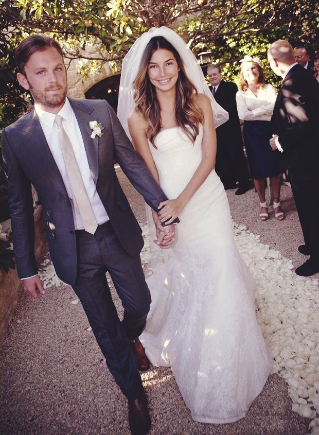 lily-aldridge-wedding-dress.jpg