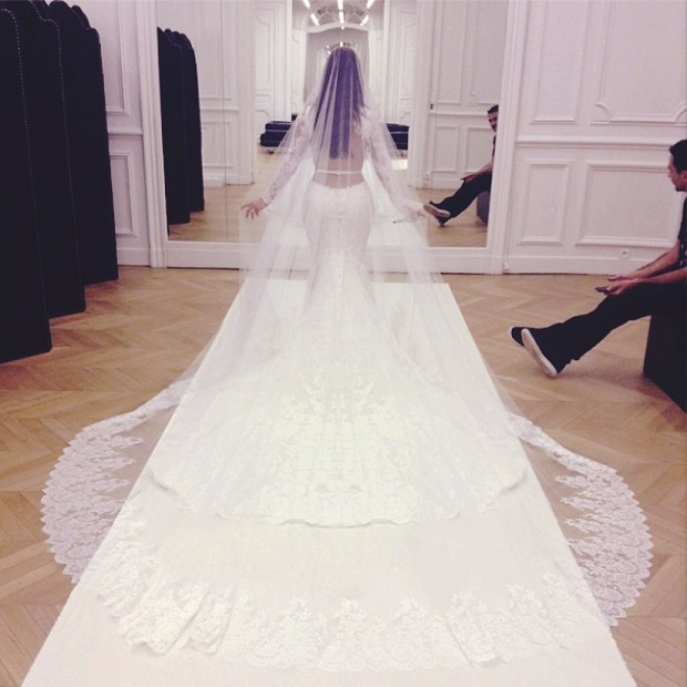 kim-kardashian-wedding-dress.jpg