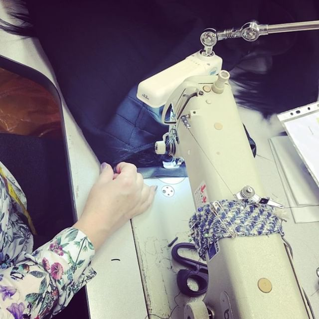 Working with leather bindings can be difficult, but not for our specialist.. 😏 @burberry . . . #womenswear #fashionista #trickofthetrade #behindthescenes #alterationspecialist #londontailor #sewing #tailoring #sew #tailoratwork #fashionstudio #workroom #teamlfr #londonfittingrooms