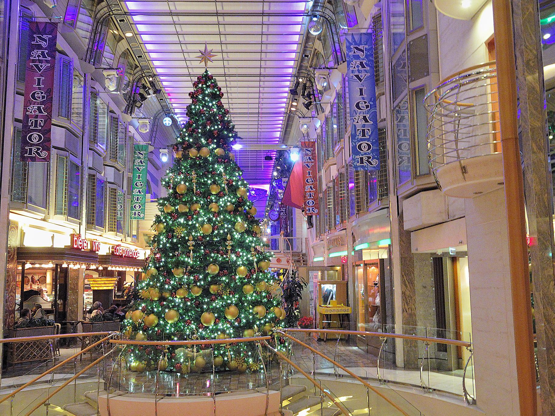 Royal Promenade decorated in December