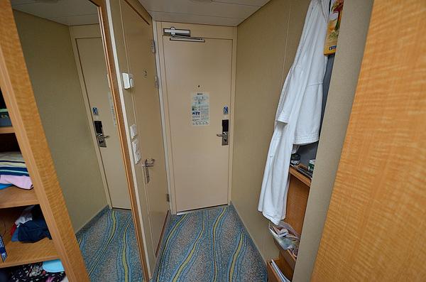 Cabin 10  194 D1
