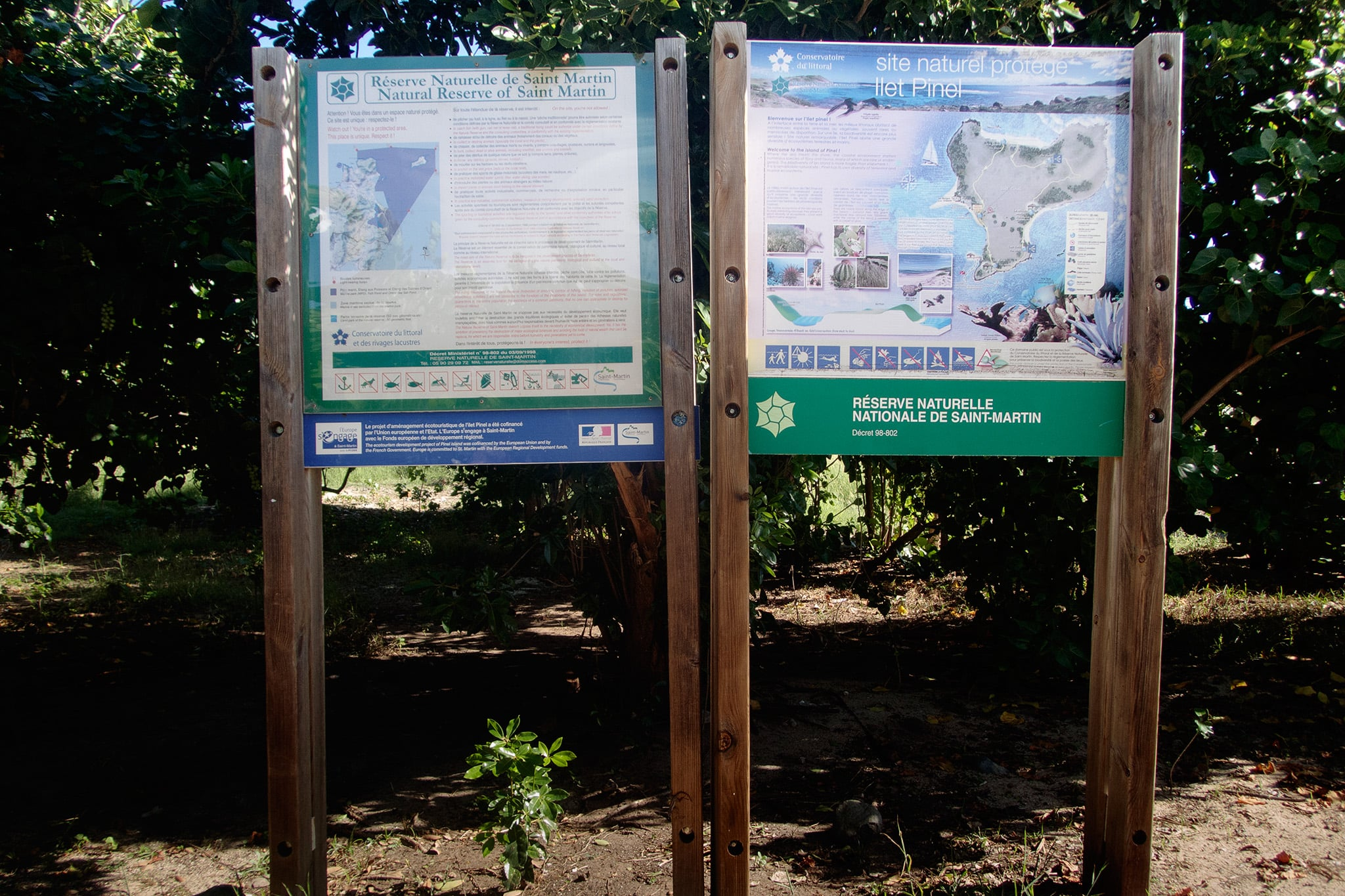 A sign near the ferry dock shows the short trail around the islet.