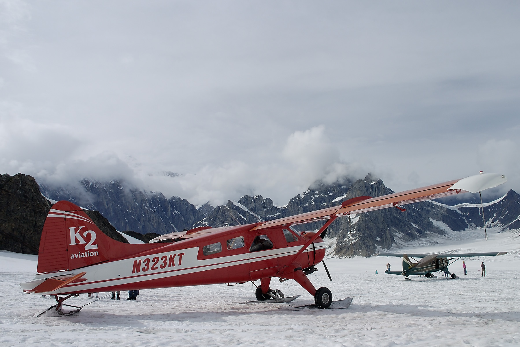 When we arrived in Talkeetna, we had the opportunity to take a flight seeing tour onto a glacier.