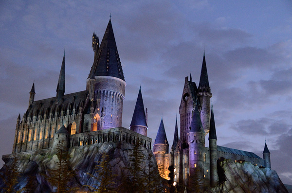 Visiting the Wizarding World Of Harry Potter at Universal required an early start, but kept us a step ahead of everyone else all day long!
