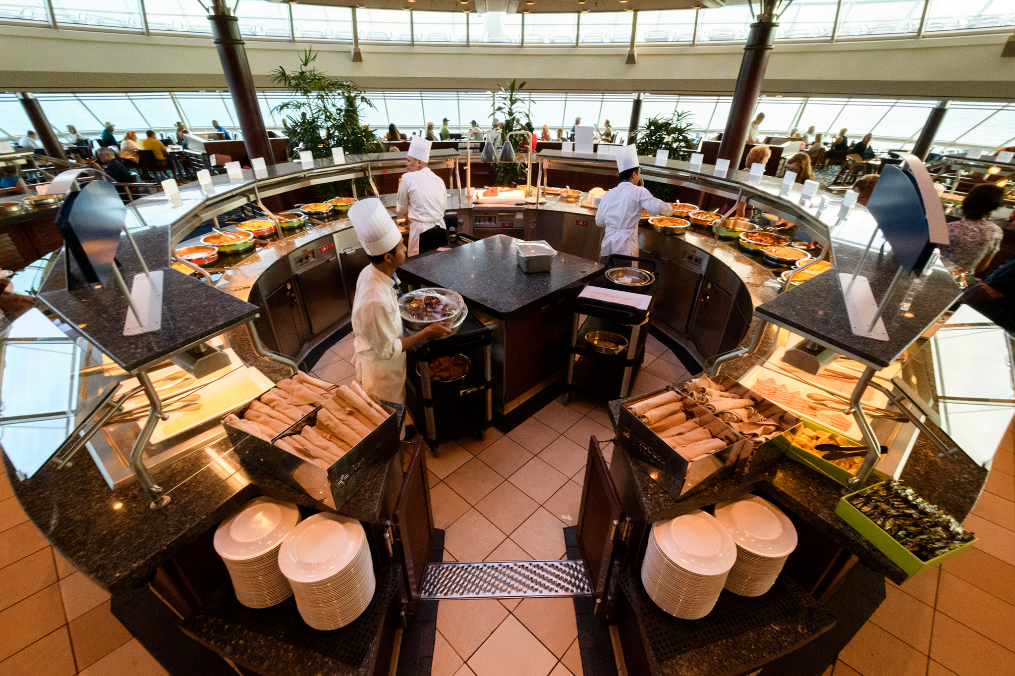 The circular style of the forward buffet means lots of walking in circles, but also lots of room for plenty of food!