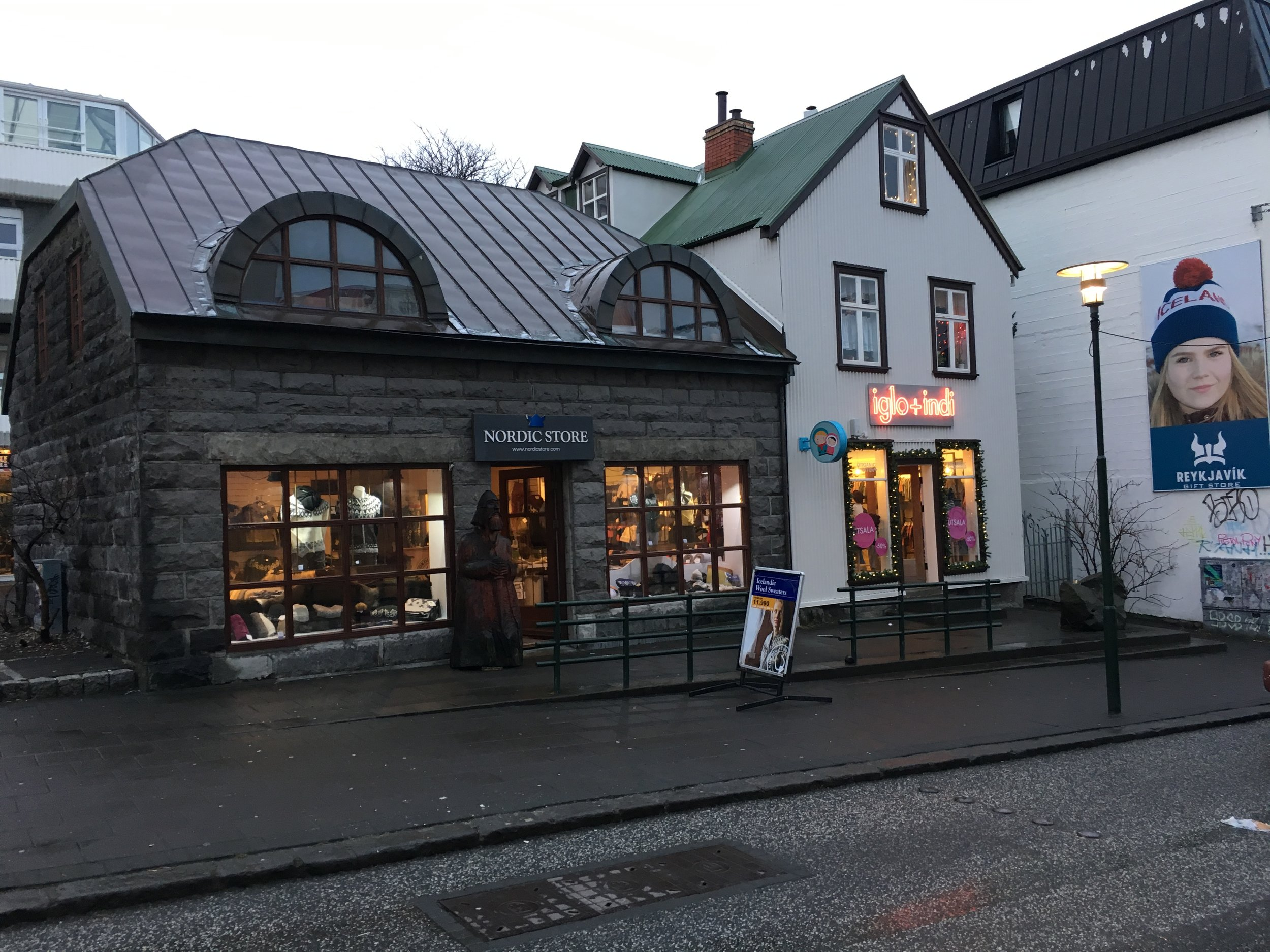 Fancier gallery shops also line the main shopping areas along Skolavoroustigur and Laugavegur