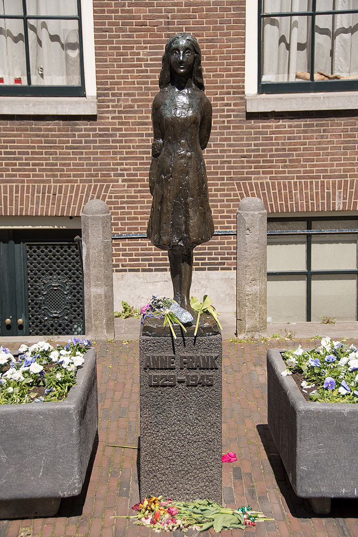 The Anne Frank Statue stands near Westermrkt