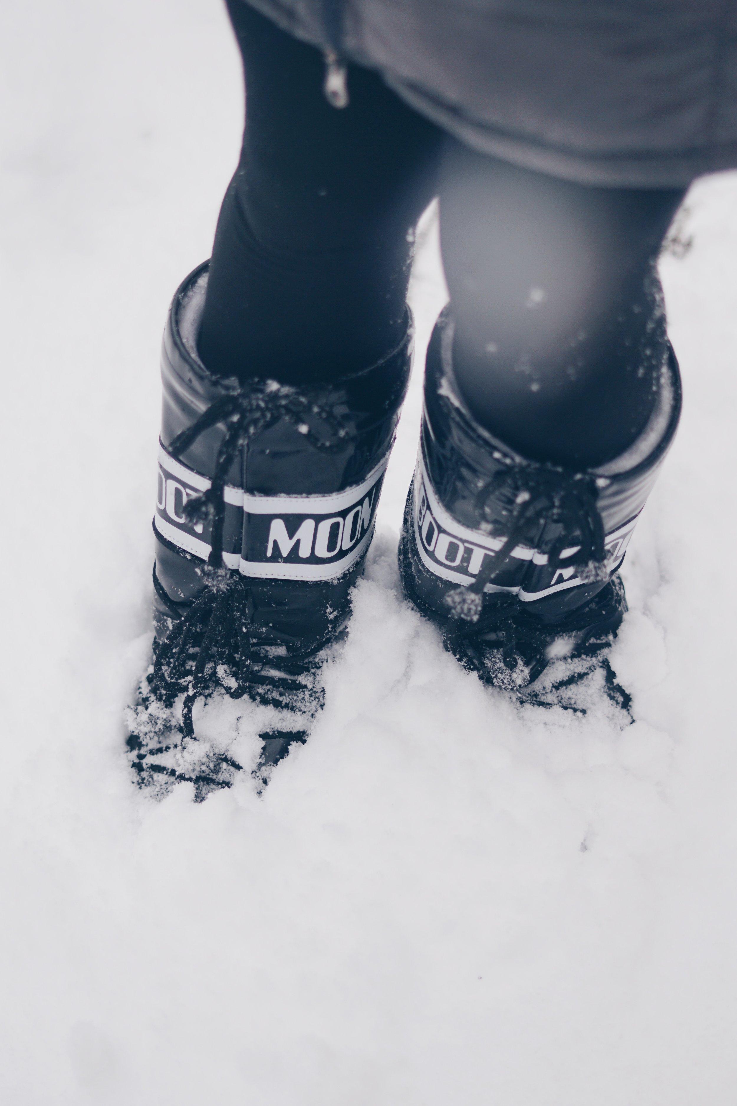 risa xu moon boots snow central park