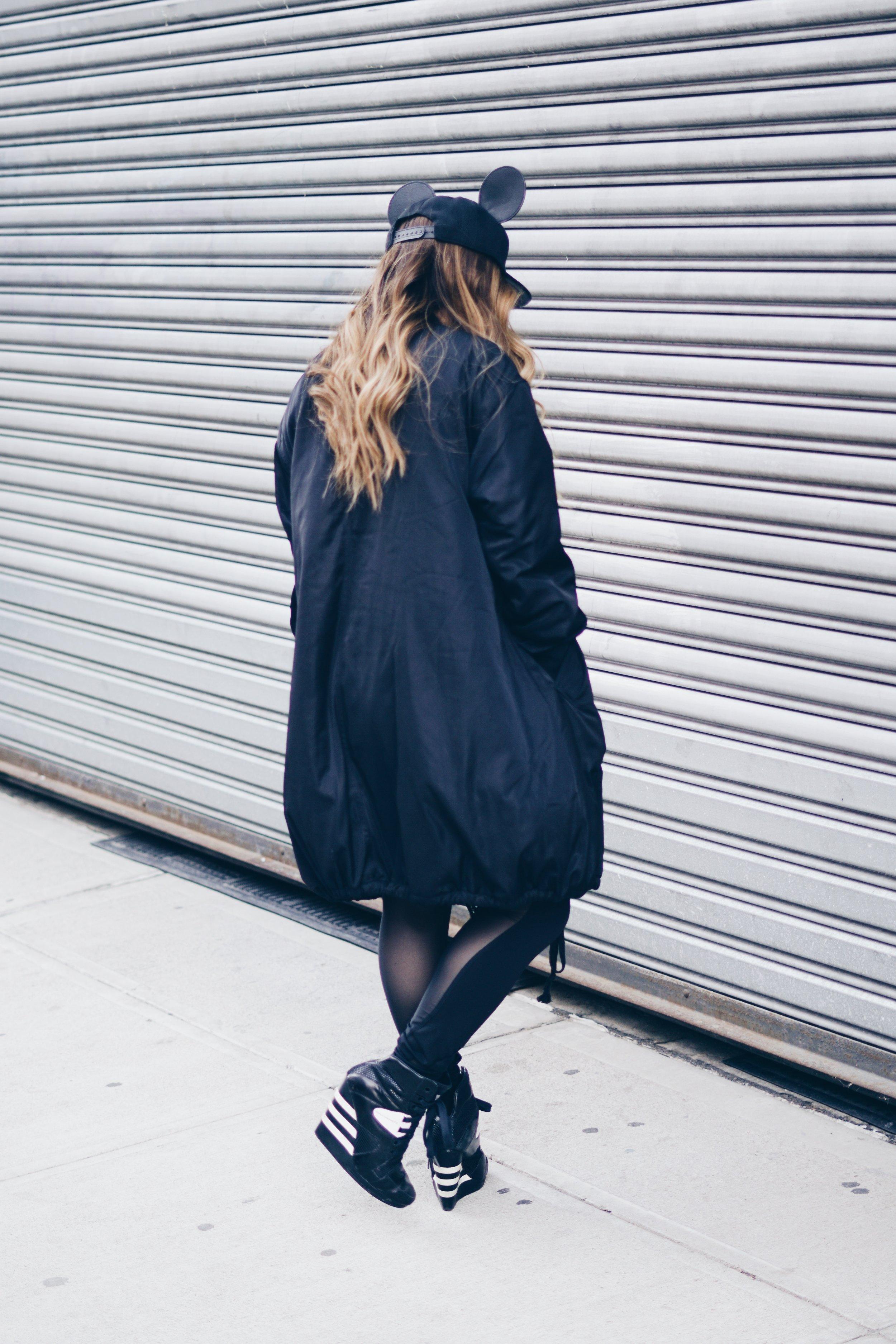 Jacket: Tobi |Top:  Alala  | Leggings:  lululemon  | Shoes: Y-3 | Hat: H&M