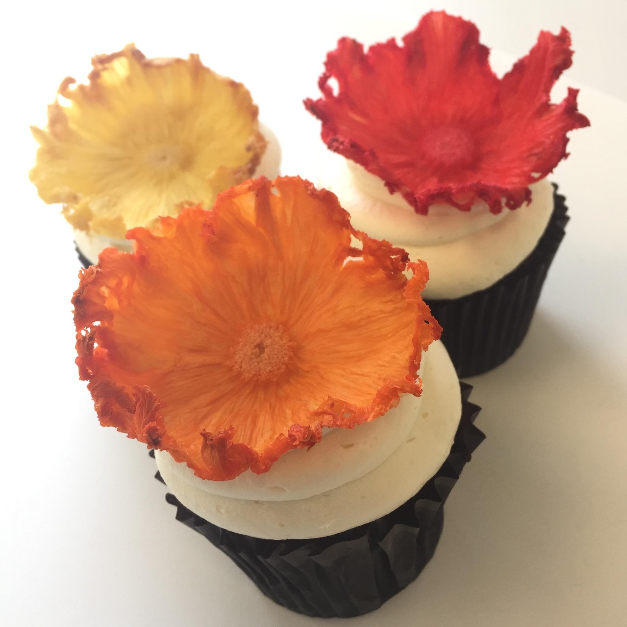 Cupcake.Pinapple.Flower.jpg