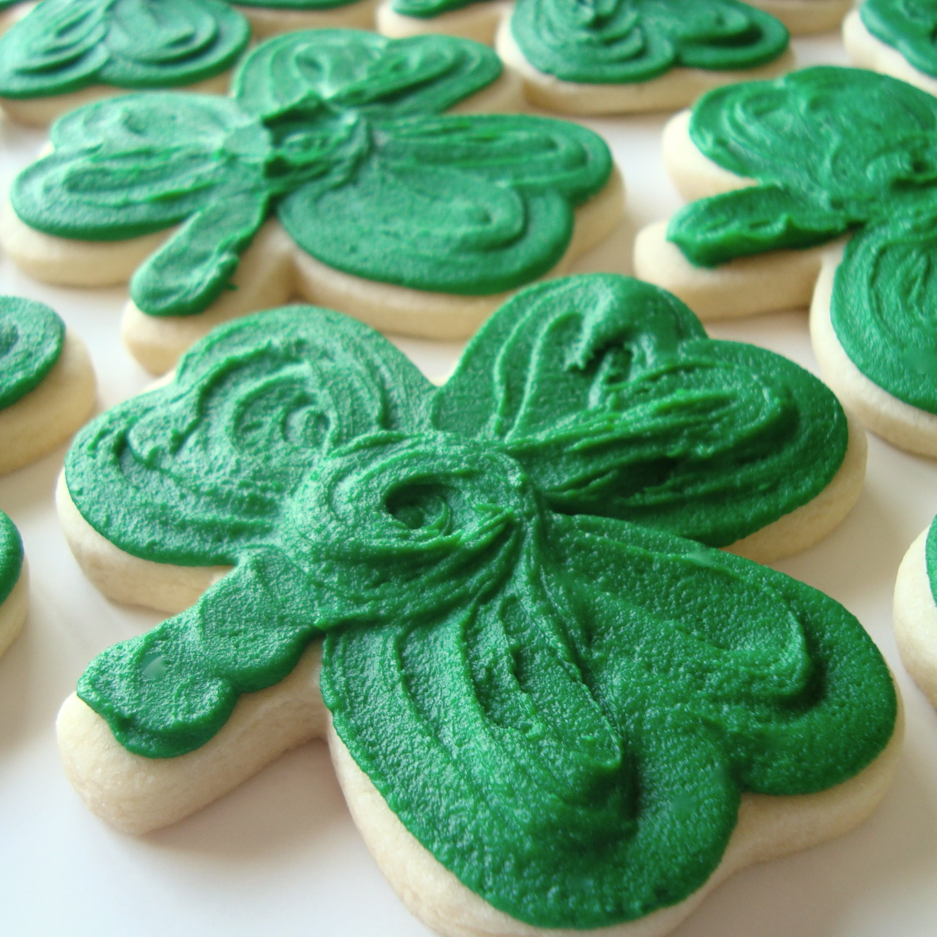 Flower.cookie.shamrock.jpg