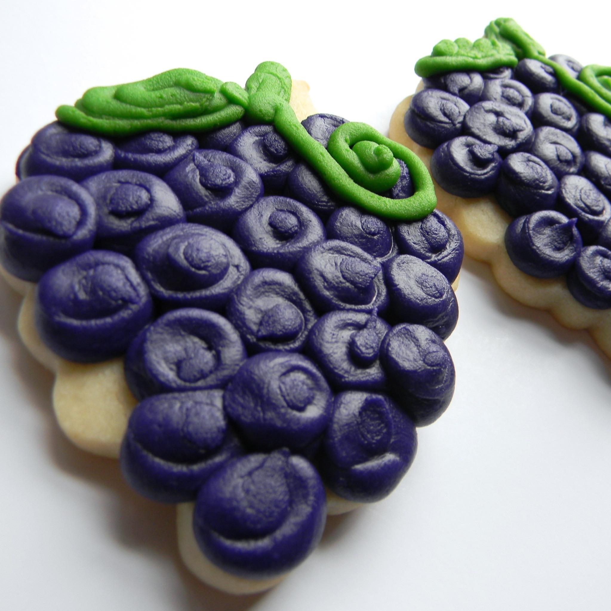 Food.Drink.Cookie.grapes.jpg