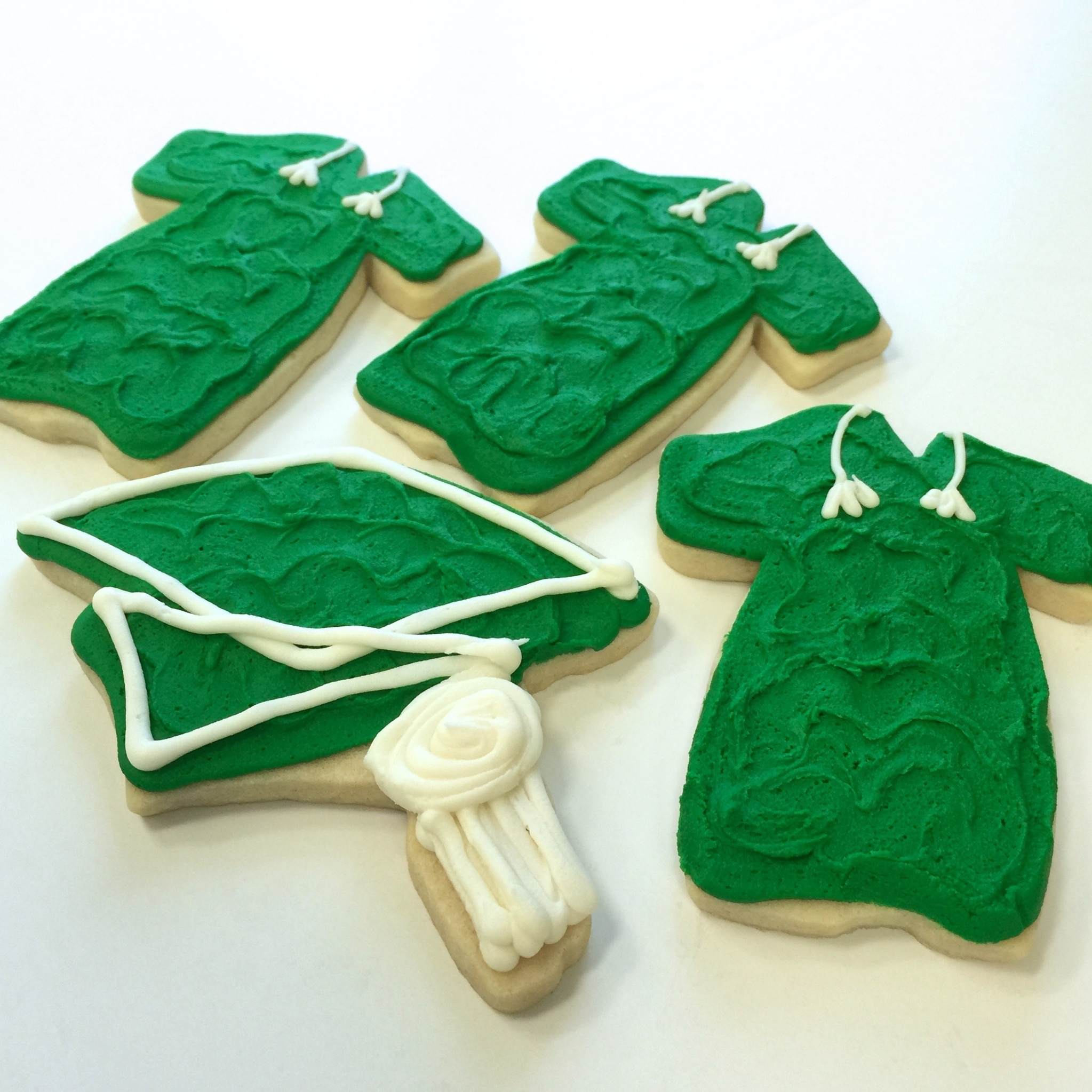 cookie.graduation.cap&gown.jpg