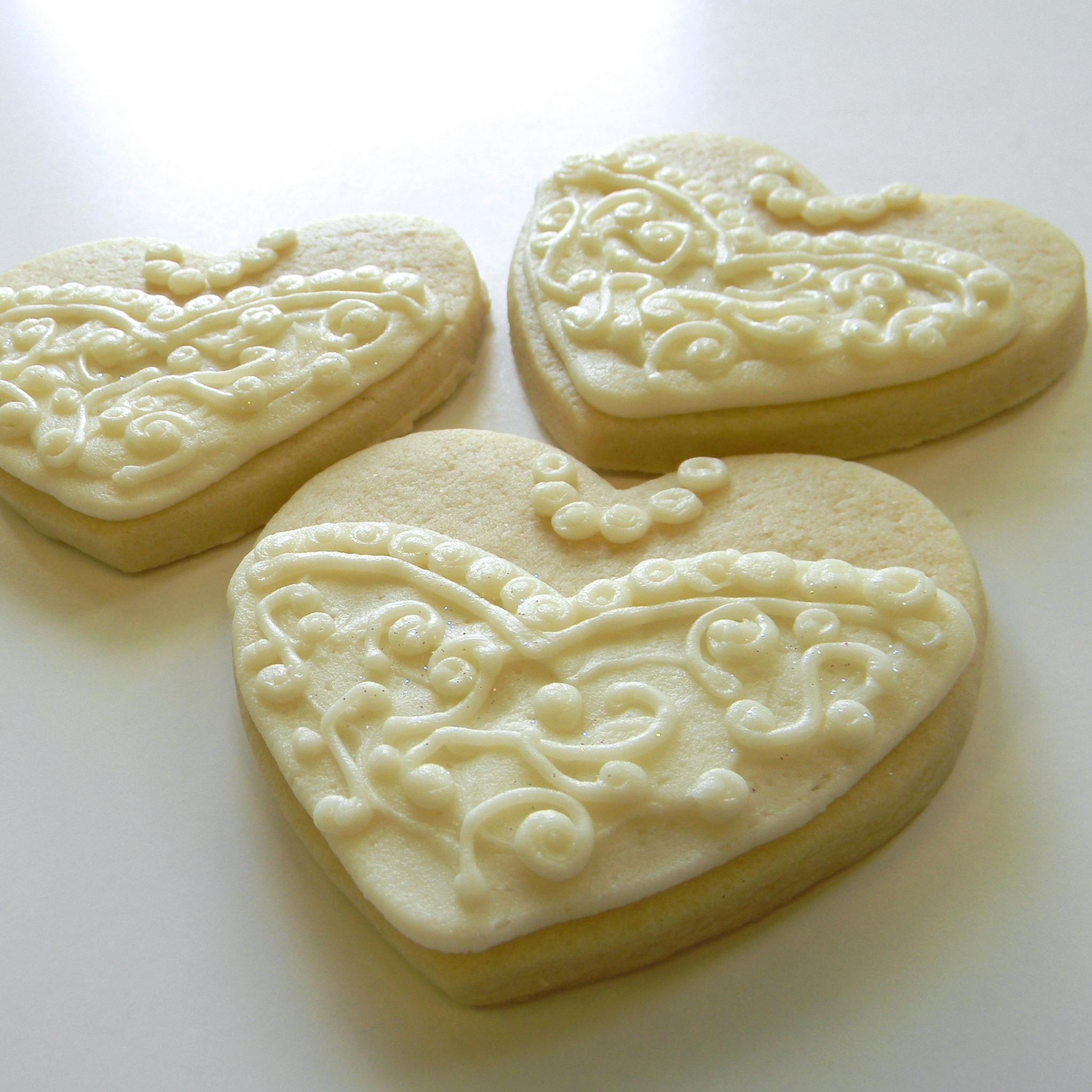 Wedding.cookies.dress.heart.jpg
