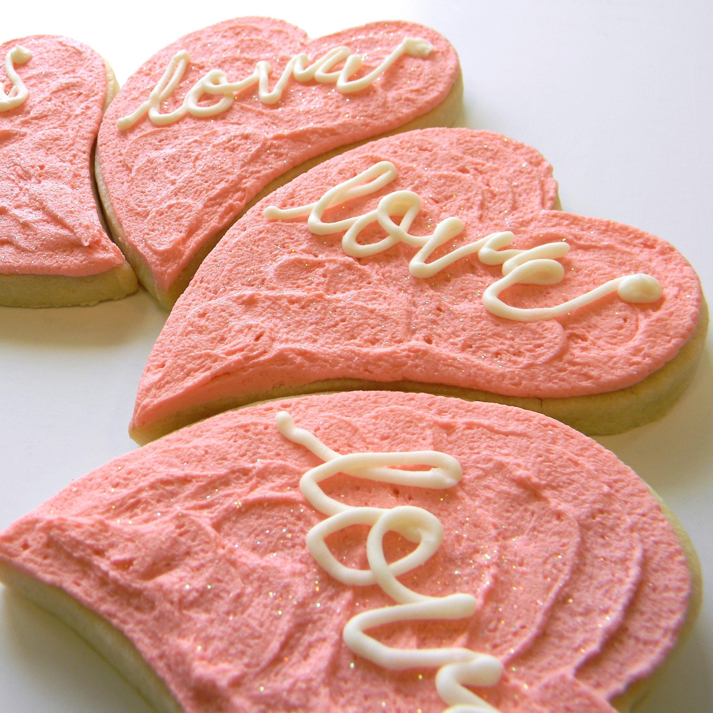 Wedding.cookies.love.heart.jpg